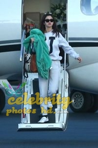 SELENA GOMEZ Arrives at a Private Jet in Los Angeles (2)