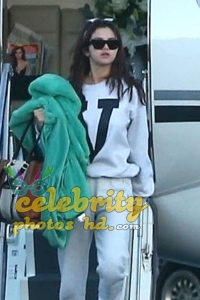 SELENA GOMEZ Arrives at a Private Jet in Los Angeles (4)