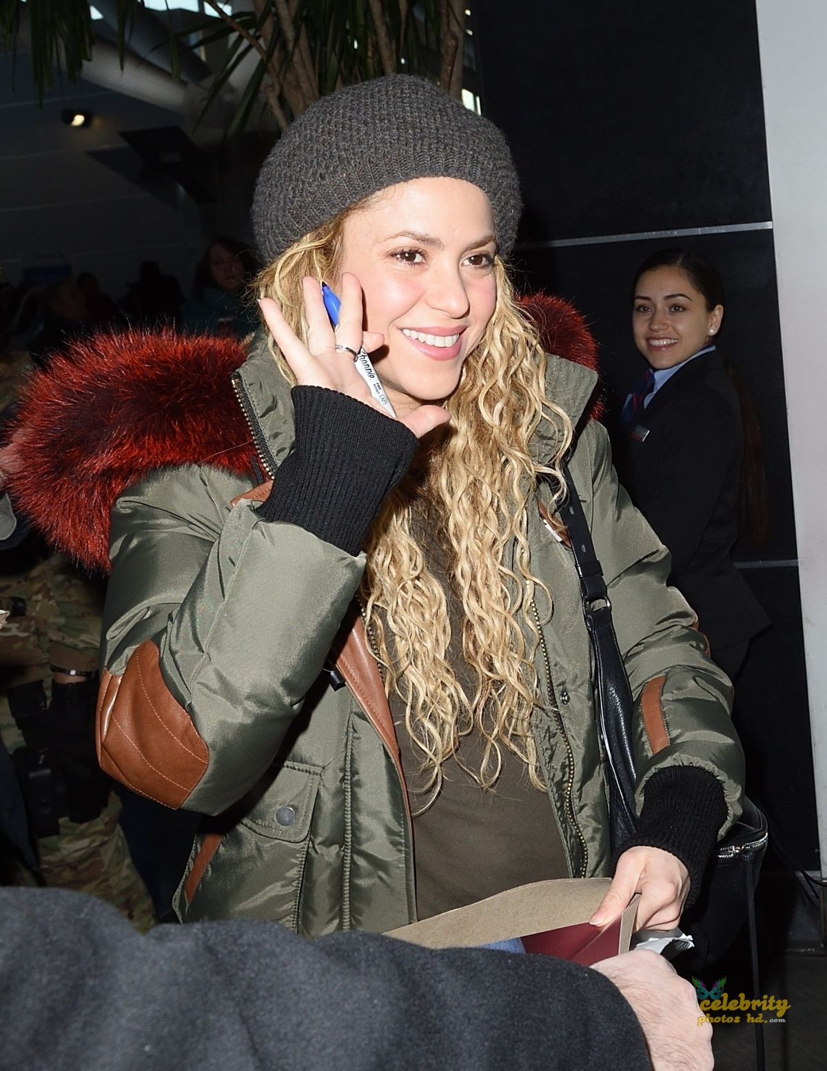 SHAKIRA at JFK Airport in New York (3)