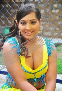 Meghna Naidu without saree (1)