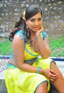 Meghna Naidu without saree (3)