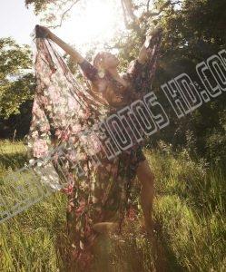Miley Cyrus Magazine Photos (2)
