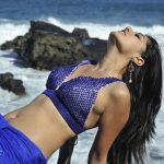 Taapsee Pannu Hot Bathing Scene from Mogudu Movie