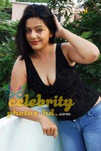 Celebraty Actress Reva Dn Hot Photos (4)
