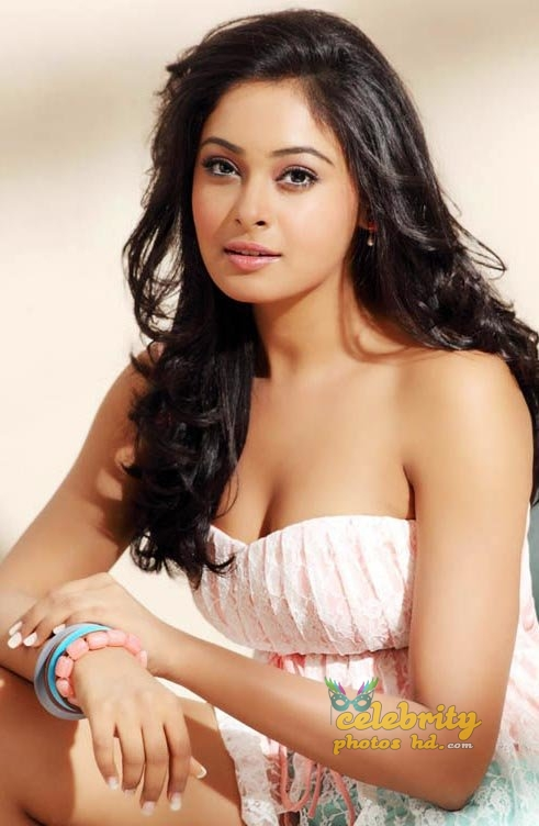Hot Spicy Actress Arunthathi (1)