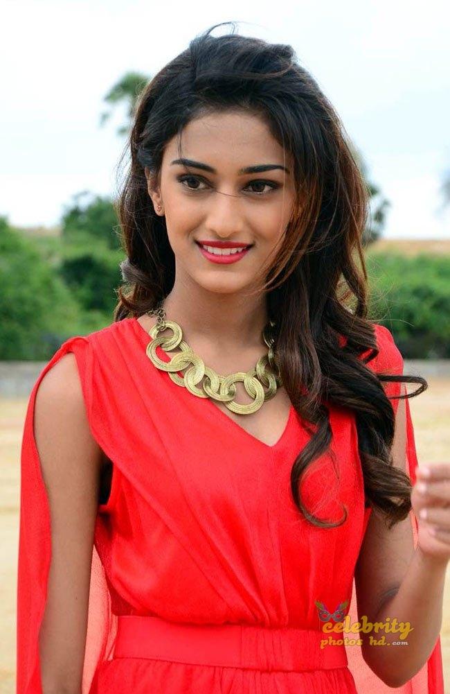 Indian New Spicy Actress Erika Fernandez (1)