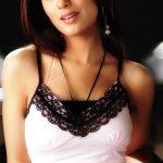 Bollywood Exceptional Actress Amrita Rao New Photo's