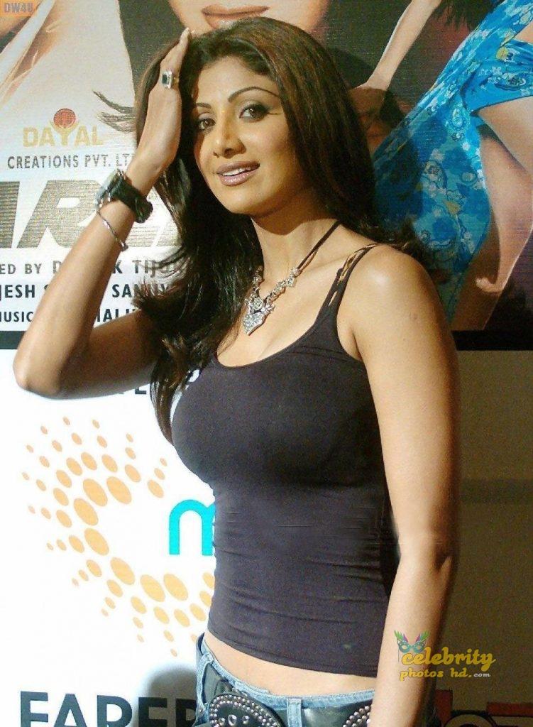 Indian Exclusive Hot Actress Shilpa Shetty Photo's (2)