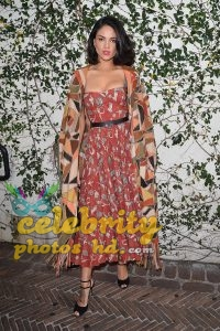 Eiza Gonzalez Candids in Torn Jeans in Los Angeles Photo (6)