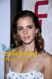 Emma Watson at the Premiere of The Circle in Paris (1)