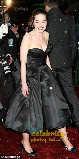 Hollywood Cute Actress ANNA POPPLEWELL (1)