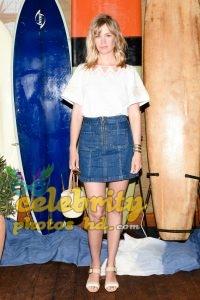 January Jones Out in Malibu Unseen Photo's (4)