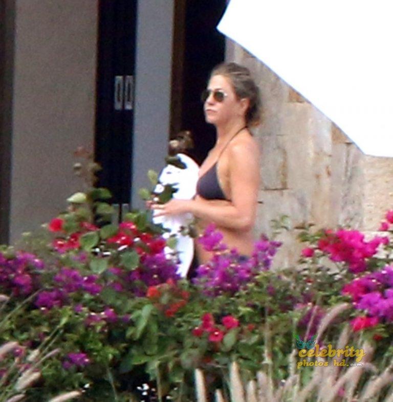 Top Hollywood Actress Jennifer Aniston Unseen Photo's (1)