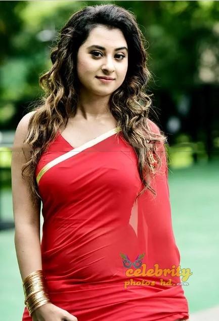 Bangladeshi film Hot actress Shobnom Bubly (2)