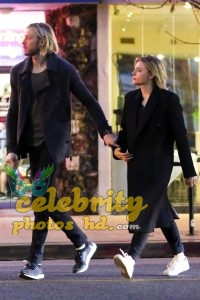 CHLOE MOETZ Out for Dinner with Her Brother in Studio City (4)