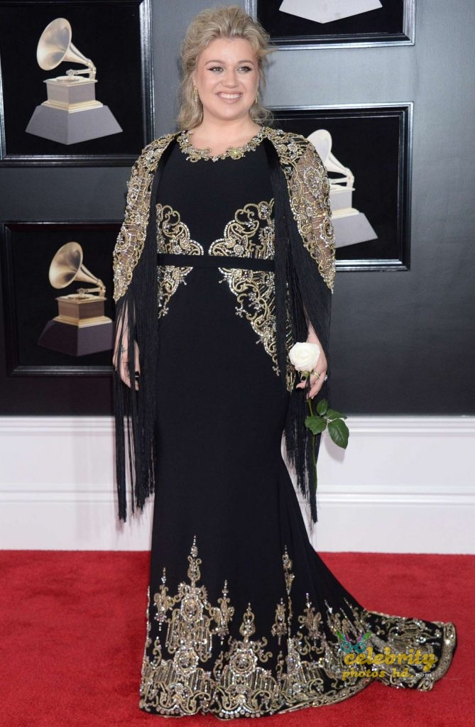 KELLY CLARKSON at Grammy 2018 Awards in New York photo's (1)