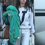 SELENA GOMEZ Arrives at a Private Jet in Los Angeles Photo's-02/07/2018